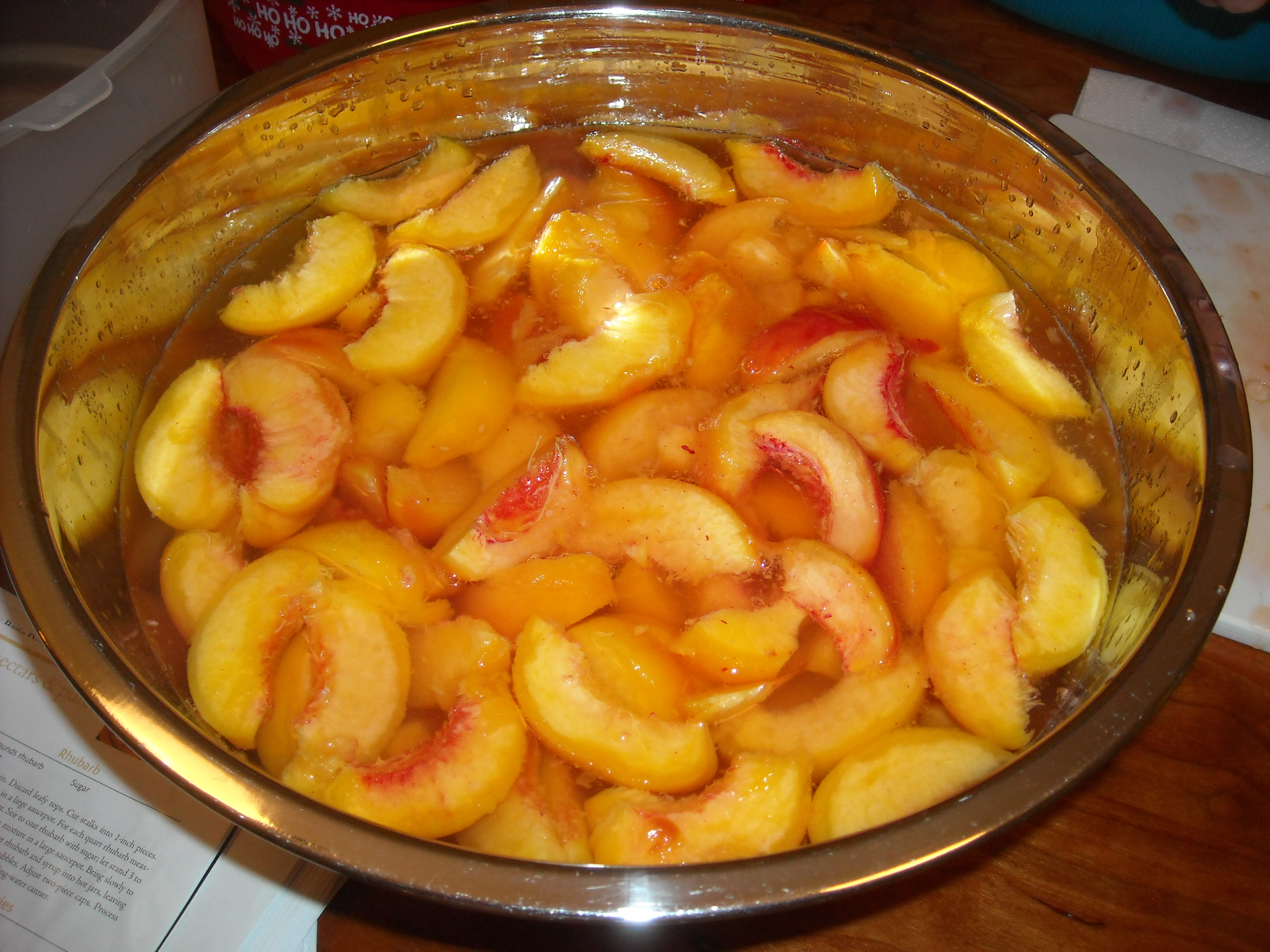 Bowl of peaches.